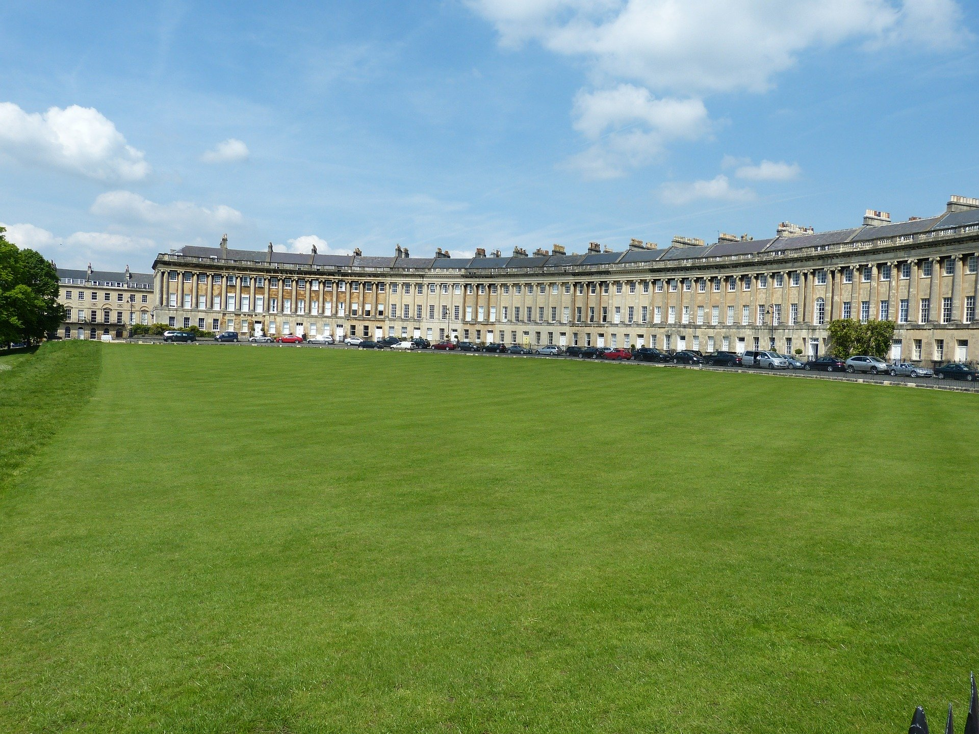 Attractions like the Stunning Royal Crescent is what makes Bath so great!